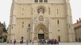 Ansicht von Roman Catholic Zagreb Cathedral im Stadtzentrum, Architektur in Kroatien stock footage