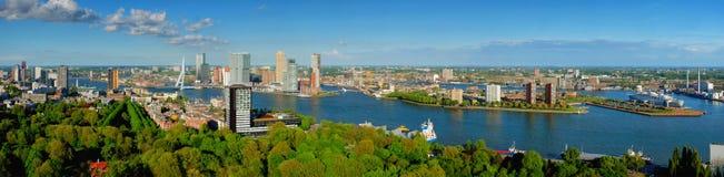 Ansicht von Rotterdam-Stadt und von ERASMUS-Brücke lizenzfreies stockfoto