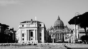 Ansicht von San Pietro von Castel Sant-` Angelo lizenzfreie stockbilder