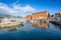 Ansicht von Santa Margherita Ligure, Genua, vom Hafen, touristischer Platz in Riviera Ligure, Mittelmeer, Italien stockbilder