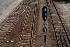 Ansicht von Schienensträngen lizenzfreies stockbild