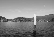 Ansicht von See Como in Schwarzweiss Stockbilder
