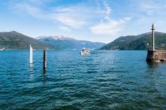 Ansicht von See Maggiore von Luino, Italien Lizenzfreies Stockbild