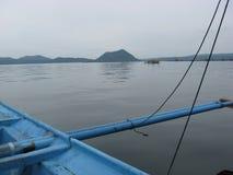 Ansicht von See Taal von einem Bangka-Boot, Philippinen stockbild