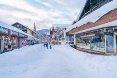 Ansicht von Seefeld im österreichischen Staat von Tirol im Winter stockfoto