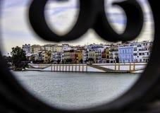 Ansicht von Sevilla von Triana-Brücke Stockfotografie