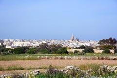 Ansicht von Siggiewi und von Feldern, Malta Stockbild
