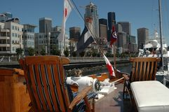Ansicht von Skylinen vom Bootsdeck Lizenzfreies Stockfoto