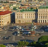 Ansicht von St Petersburg von der Kolonnade von ` s St. Isaac Kathedrale lizenzfreie stockbilder