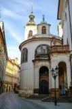 Ansicht von St. Salvator Church in Prag-` s alter Stadt am frühen Morgen lizenzfreies stockbild