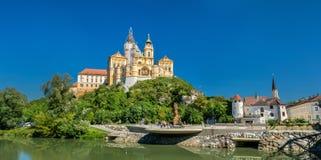 Ansicht von Stift Melk, eine Benediktinerabtei über der Stadt von Melk in Österreich Lizenzfreie Stockfotografie