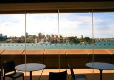 Ansicht von Sydney Harbour von Sydney Opera House-Café, Australien Stockbilder