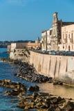 Ansicht von Syrakus, Ortiggia, Sizilien, Italien, bringt das Gegenüberstellen des Meeres unter Lizenzfreie Stockfotografie