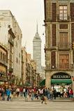 Ansicht von Torre Latinoamericana von der Straße in Mexiko City Stockfotografie