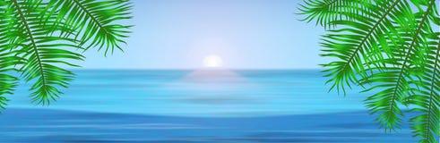 Ansicht von tropischem Meer zwischen den Palmen darunter Lizenzfreies Stockbild