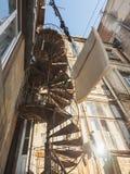Ansicht von unten des Gebäudes stockbilder