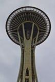 Ansicht von unterhalb der Seattles-Raum-Nadel Lizenzfreies Stockfoto