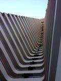 Ansicht von unterhalb des Turms eines Hotels in Acapulco Lizenzfreie Stockfotografie