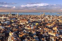 Ansicht von Venedig-Dachspitzen Lizenzfreie Stockfotos