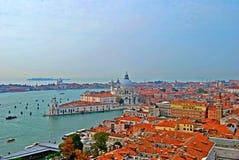 Ansicht von Venedig vom Glockenturm-Turm lizenzfreies stockbild