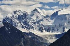 Ansicht von zwei der drei Bergspitzen von Kasachstan Lizenzfreie Stockbilder