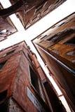 Ansicht von zwei schmalen Straßen in Venedig Stockfotografie