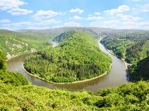 Ansicht zu berühmter Saar-Schleife von Standpunkt cloef, deutsche Landschaft Lizenzfreies Stockfoto