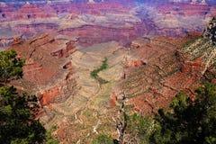 Ansicht zu Calorado-Fluss bei Grand Canyon vom Wüsten-Standpunkt lizenzfreie stockbilder