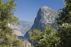 Ansicht zu den Bergen und zum Hetch Hetchy Lizenzfreie Stockbilder
