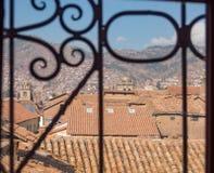 Ansicht zu den roten Dächern von Cusco Peru lizenzfreies stockfoto