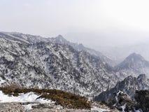 Ansicht zu den schönen Bergen von der Spitze Lizenzfreies Stockbild