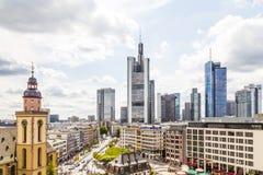 Ansicht zu den Skylinen von Frankfurt Lizenzfreie Stockbilder