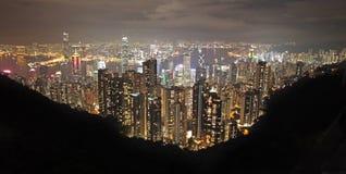 Ansicht zu Hong Kong von Victoria Peak bis zum Nacht Stockbild