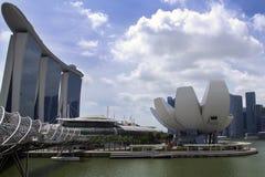 Ansicht zu Museum und Marina Bay Sands Singapur-ArtScience Stockfoto