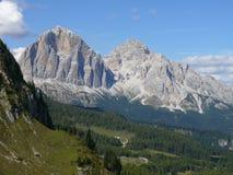 Ansicht zu Passo Giau von Forcella Giau Stockbilder