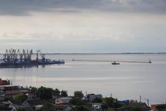 Ansicht zum Hafen von Berdyansk Lizenzfreie Stockbilder