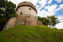 Ansicht zum historischen Schloss in Ostrog, Ukraine Lizenzfreie Stockfotografie