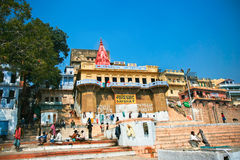 Ansicht zum homosexuellen ghat auf dem heiligen Fluss Gange Lizenzfreie Stockfotografie
