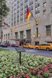 Ansicht zum Waldorf Astoria von Park Avenue Stockbilder