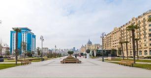 Ansicht zum Winter-Boulevard auf Fizuli-Straße Lizenzfreie Stockfotografie