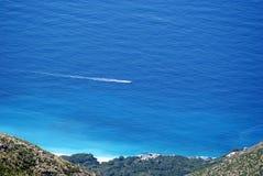 Ansicht zur ionisches Seeküste von der Spitze von Llogora-Berg Lizenzfreies Stockbild