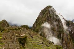 Ansicht zur Spitze von Huayna Picchu Lizenzfreie Stockfotos
