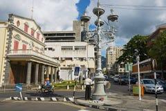 Ansicht zur Straße mit Fußgängerübergang in im Stadtzentrum gelegenem Port Louis, Mauritius Stockbilder