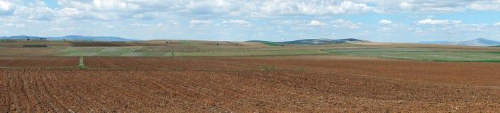 Ansichtberge und mehrfarbiges Land Stockfotografie