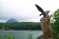 Ansichten über Adler, von Berg Eisen und von dekorativem See, Kaukasus, Russland Stockbilder