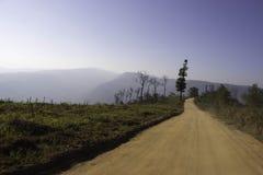 Ansichten der Berge und der Gebirgsstraßen Lizenzfreie Stockbilder