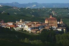 Ansichten des Schlosses von Barolo stockfotografie
