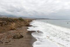 Ansichten des Strandes von San Simeon, Kalifornien, USA lizenzfreie stockbilder