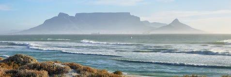Ansichten des Tafelbergs an der Dämmerung Lizenzfreies Stockbild