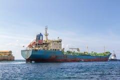Ansichten um Punda - Tanker- und pilorboot lizenzfreie stockfotografie
